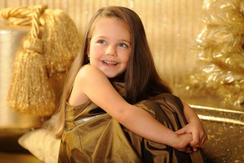 karacsonyi gyermek fotozas aranyhatter gyermek foto.hu